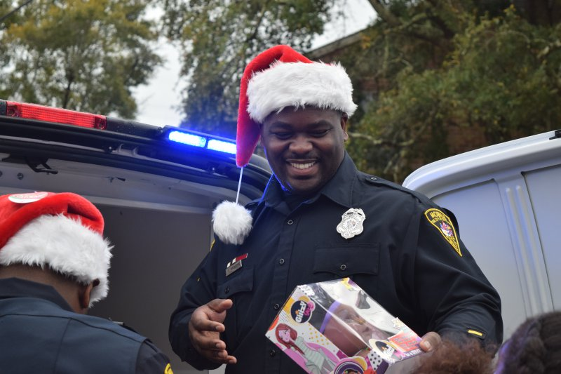 Santa with a Badge Gives Memorable Merry Surprise